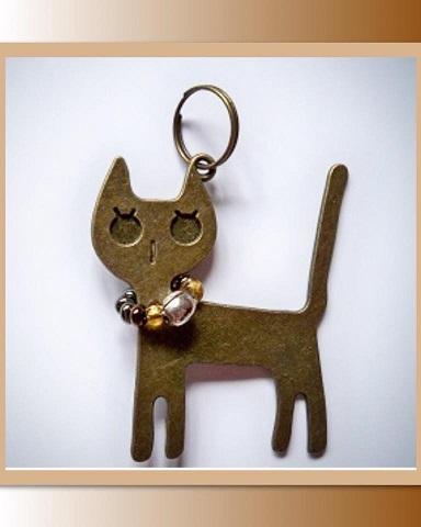 Hangertje met bronzen katje